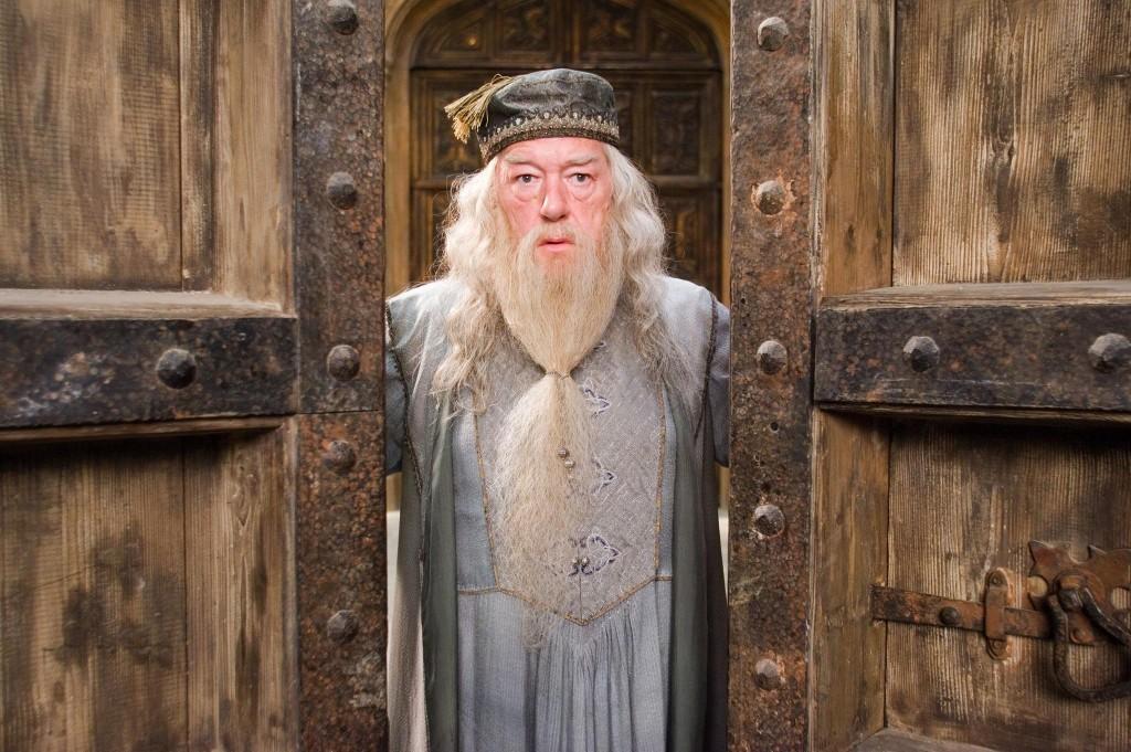 Micahel Gambon es Dumbledore