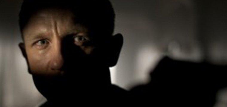El director Christopher Nolan confirma de que NO dirigirá BOND 25