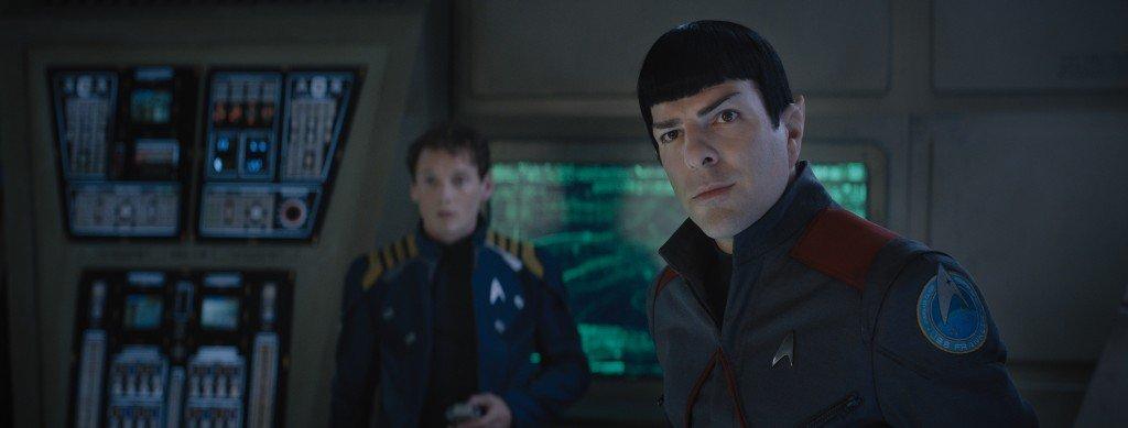 Anton Yelchin es Chekov y Zachary Quinto es Spock en Star Trek Más Allá