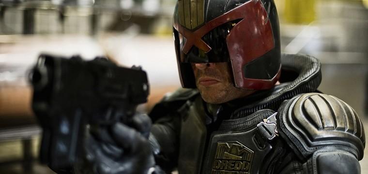 Karl Urban habla sobre su posible aparición en Judge Dredd: Mega City One