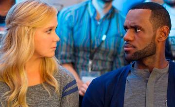LeBron James en conversaciones para protagonizar una comedia