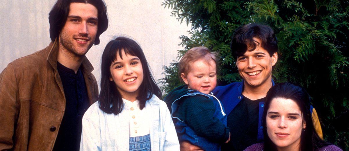 La serie de Cinco en familia tendrá un reinicio en forma de serie